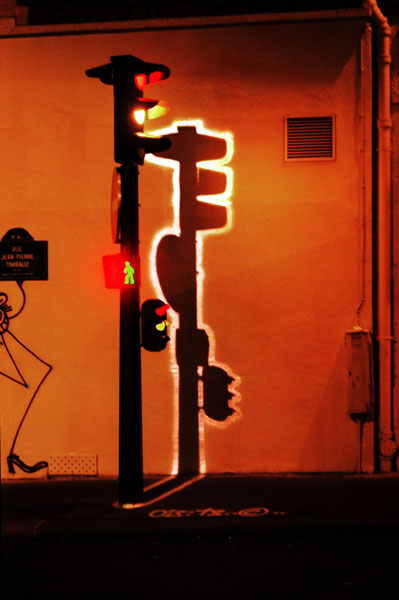 Electric Shadows - Feux de signalisation, rue Jean-Pierre Timbaud, Paris 2000